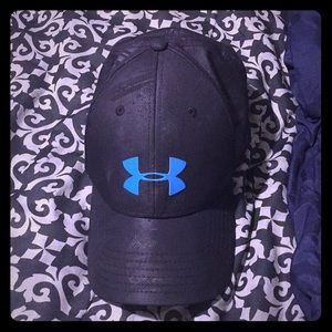 Under armour hat fitted size lg